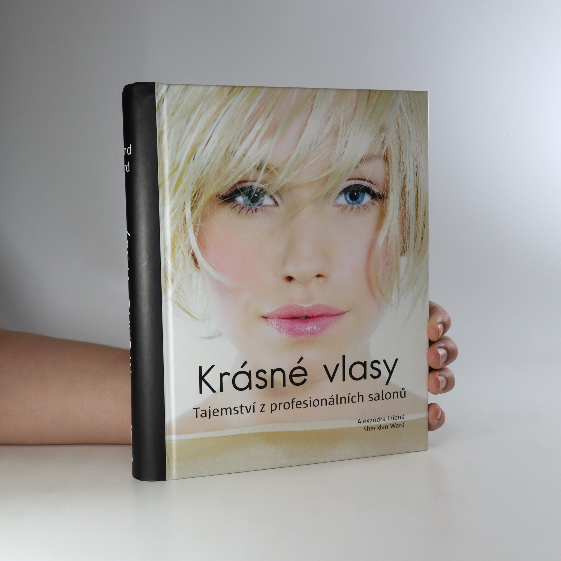 antikvární kniha Krásné vlasy. Tajemství z profesionálních salonů, 2011