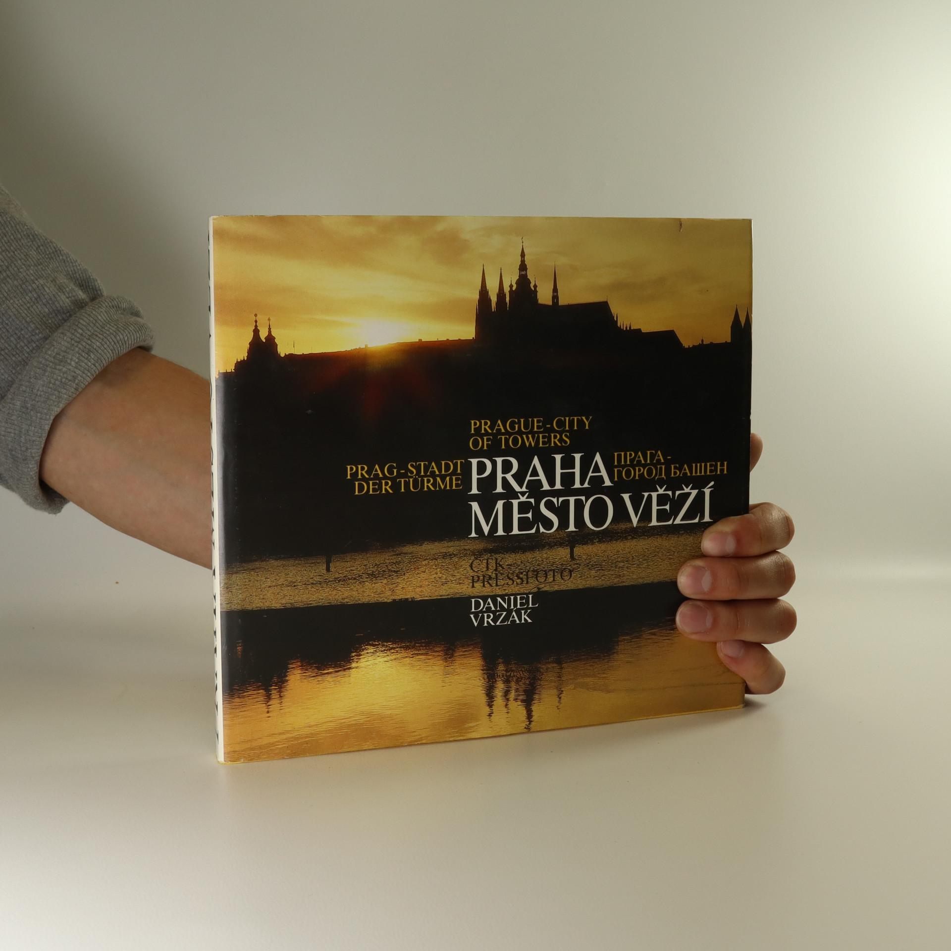 antikvární kniha Praha - město věží, 1992