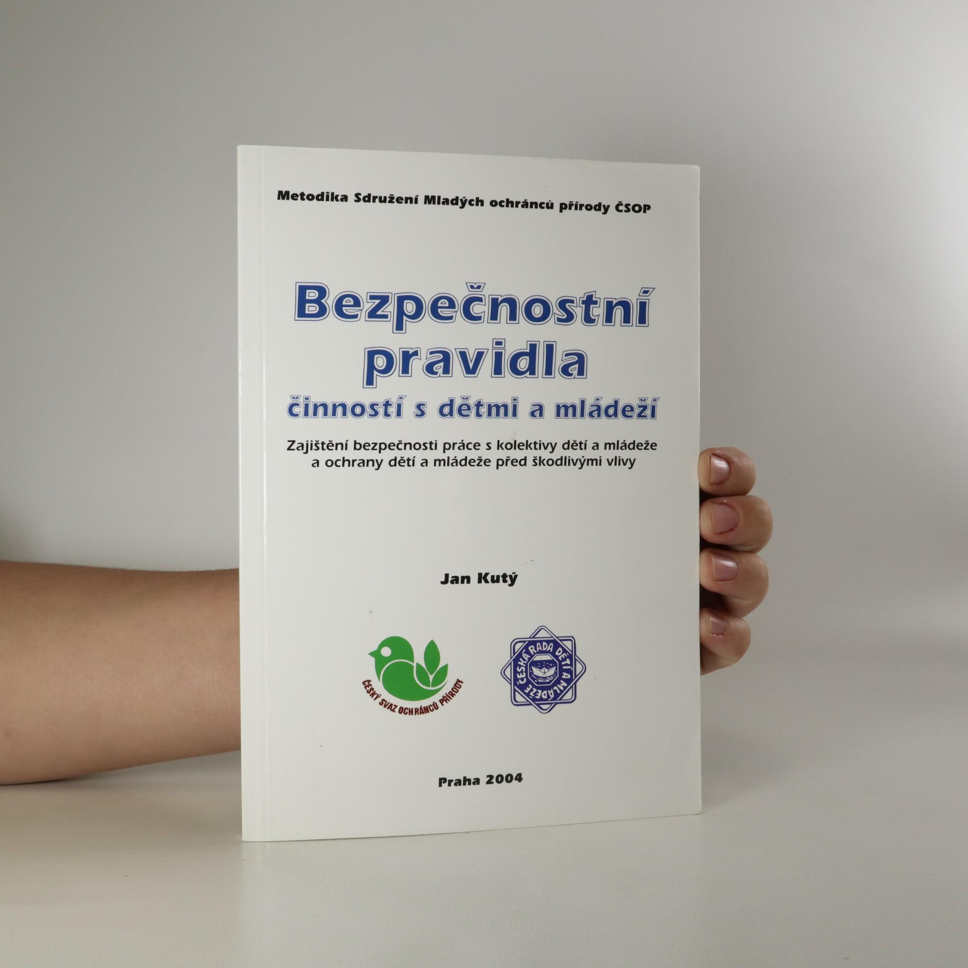 antikvární kniha Bezpečnostní pravidla činností s dětmi a mládeží, 2004