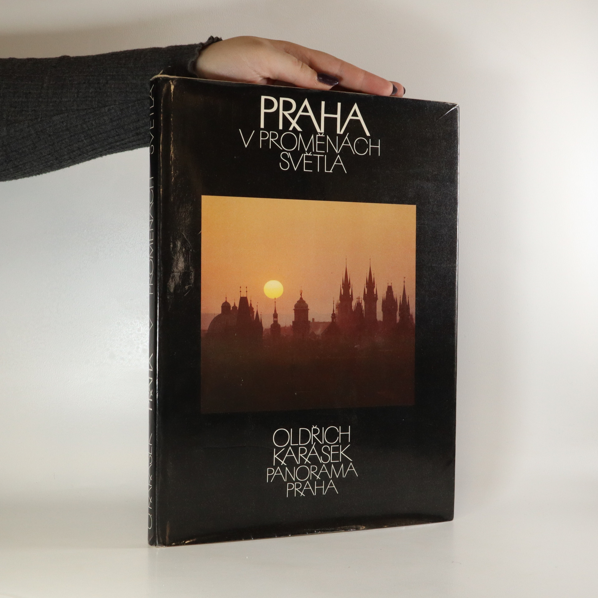 antikvární kniha Praha v proměnách světla, 1984
