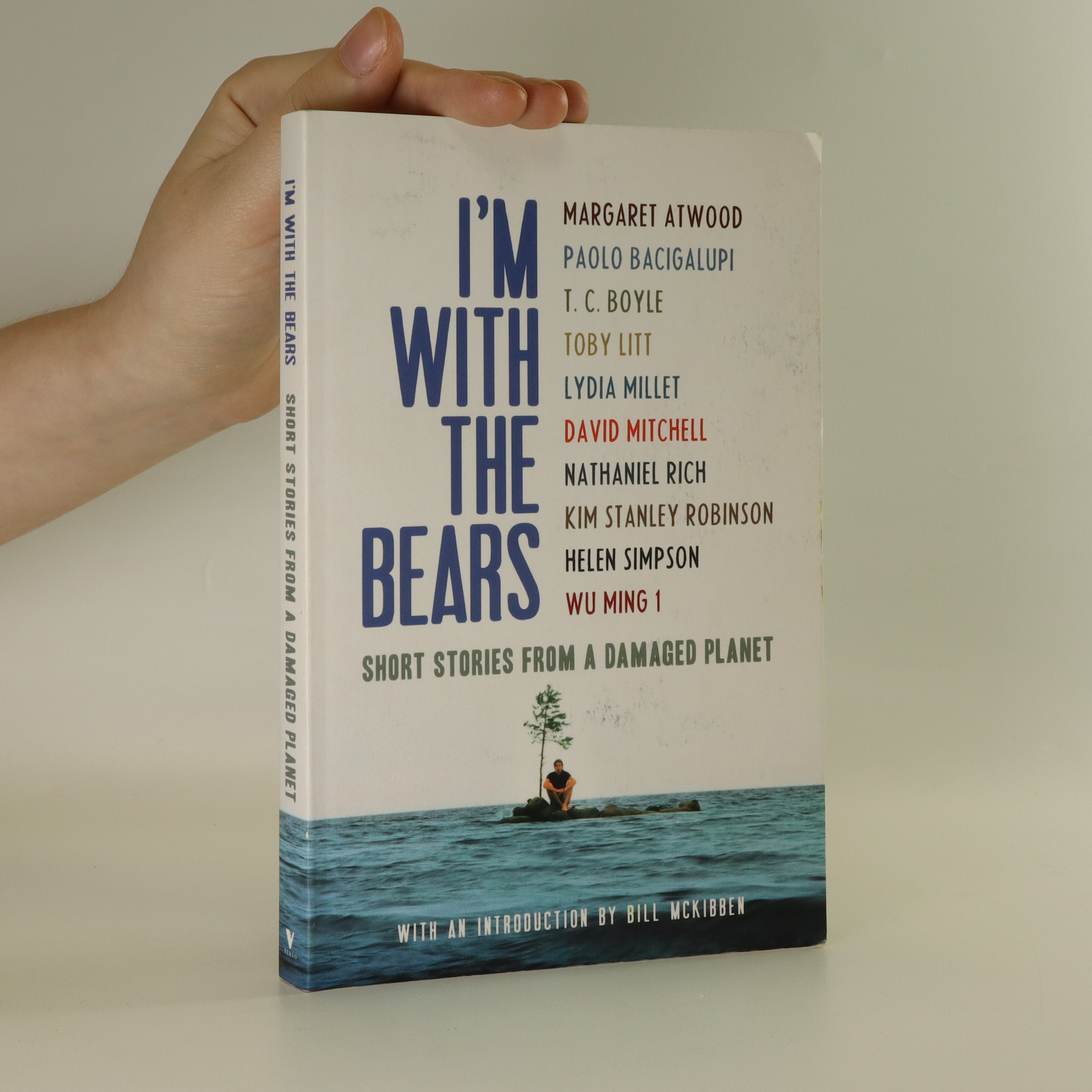 antikvární kniha I'm With The Bears. Short Stories From A Damaged Planet., 2011