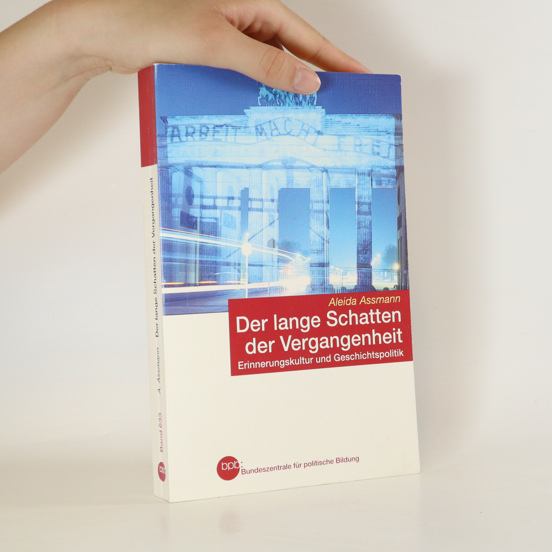 antikvární kniha Der lange Schatten der Vergangenheit, 2007