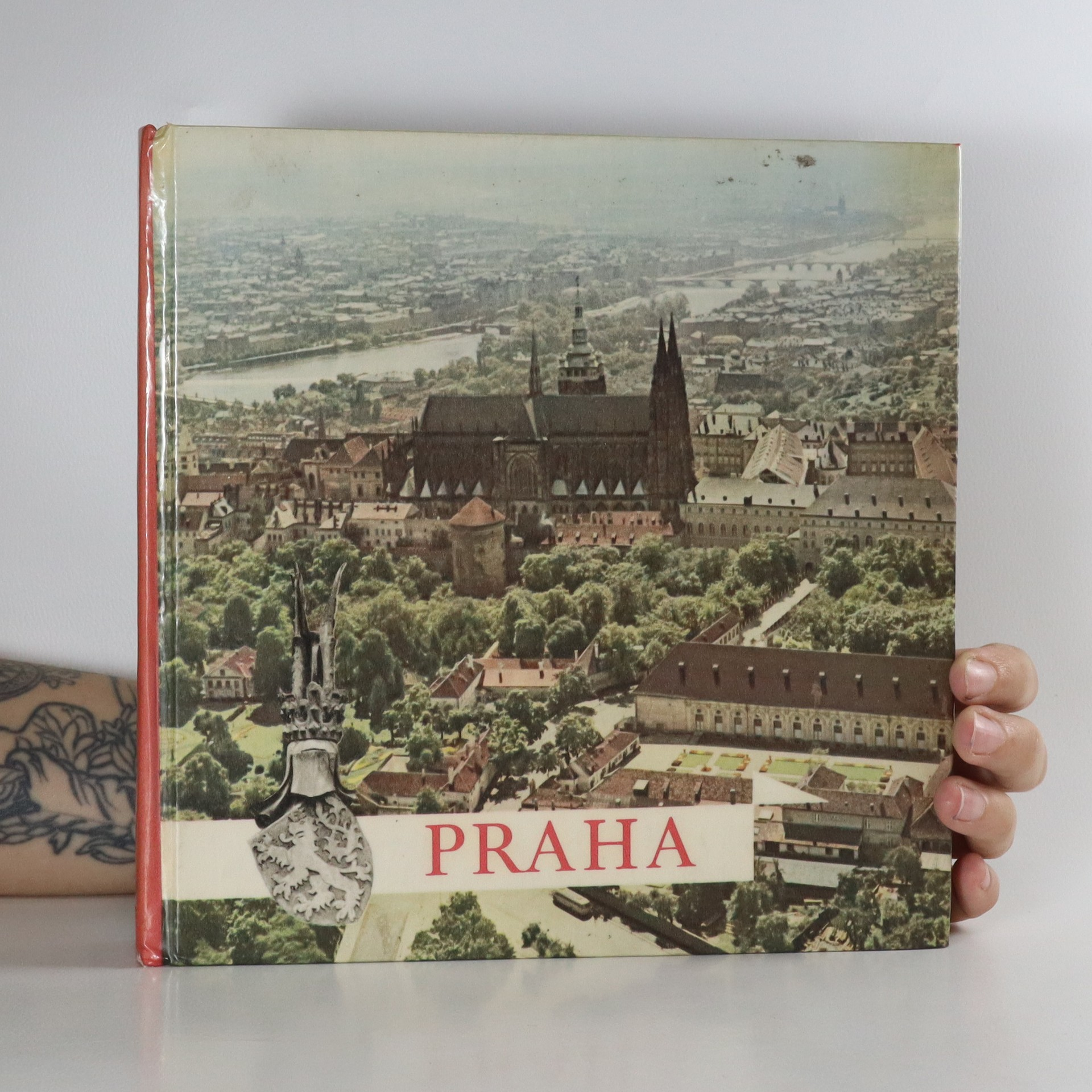 antikvární kniha Praha, 1969