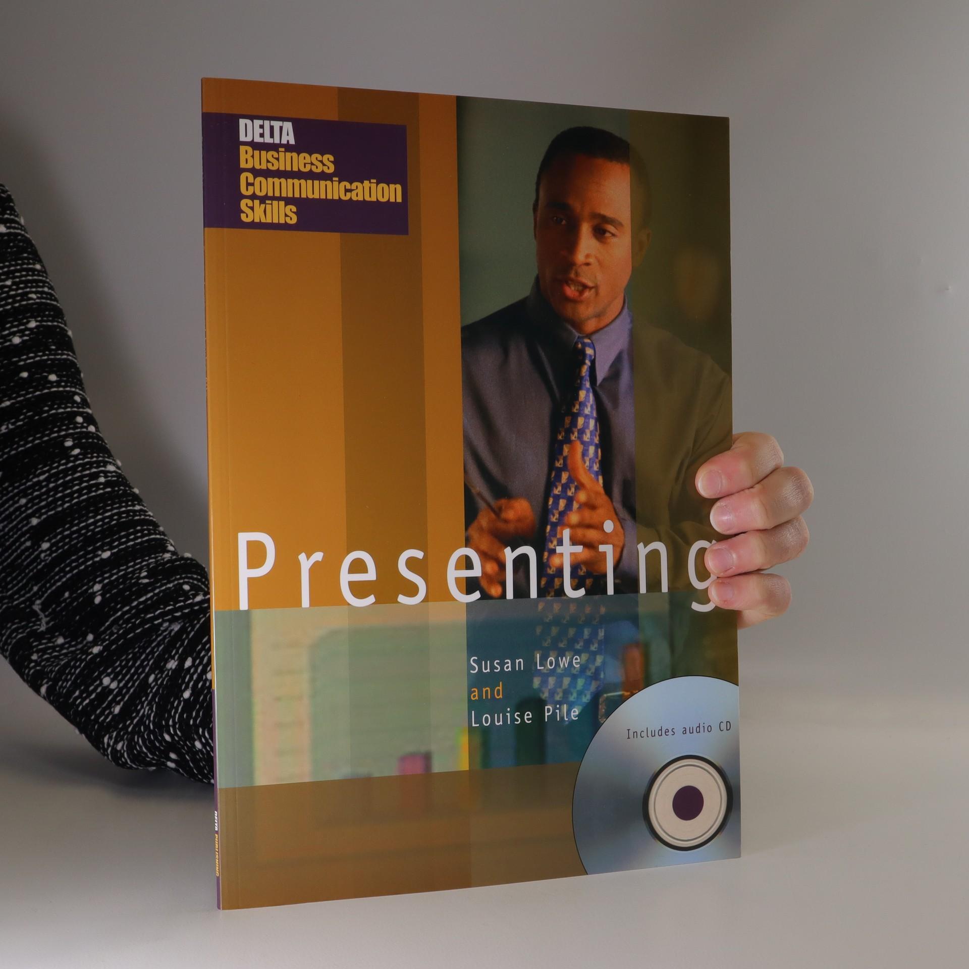 antikvární kniha Presenting : pre-intermediate-intermediate (+ CD), neuveden