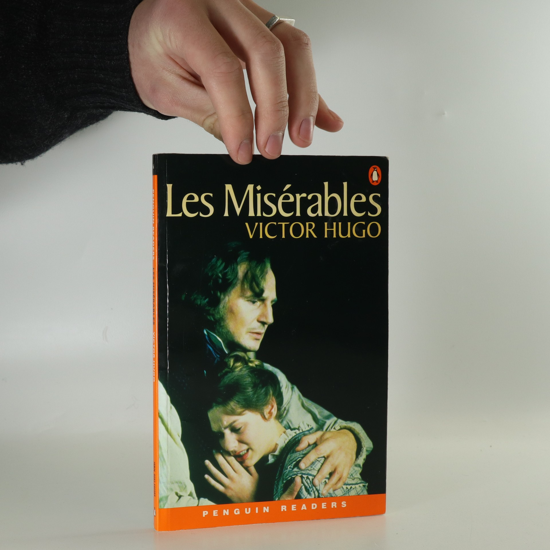 antikvární kniha Les misérables, 2002