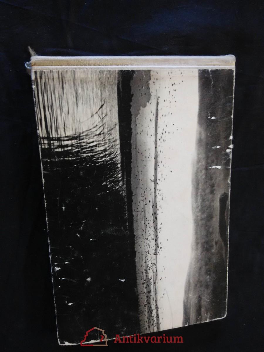 Jaro v zátoce racků (Oppl, 160 s., 354 foto v textu)
