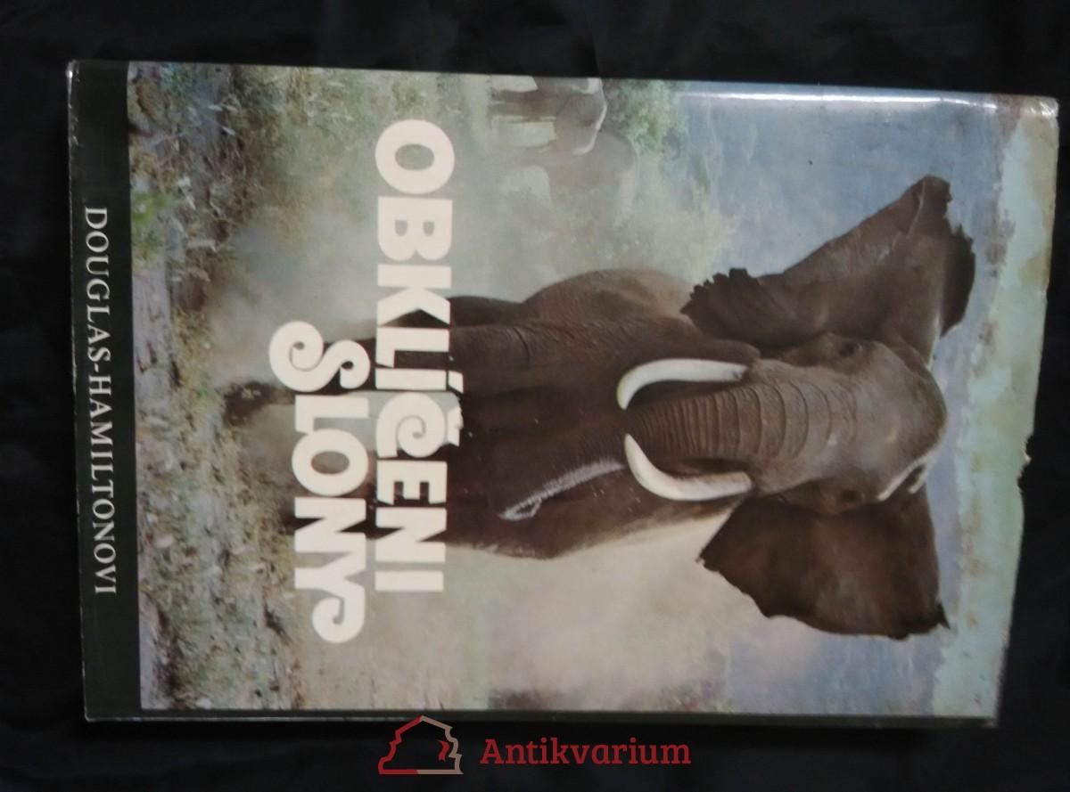 Obklíčeni slony (A4, Ocpl, 232 s., 71 čb a 30 bar foto)