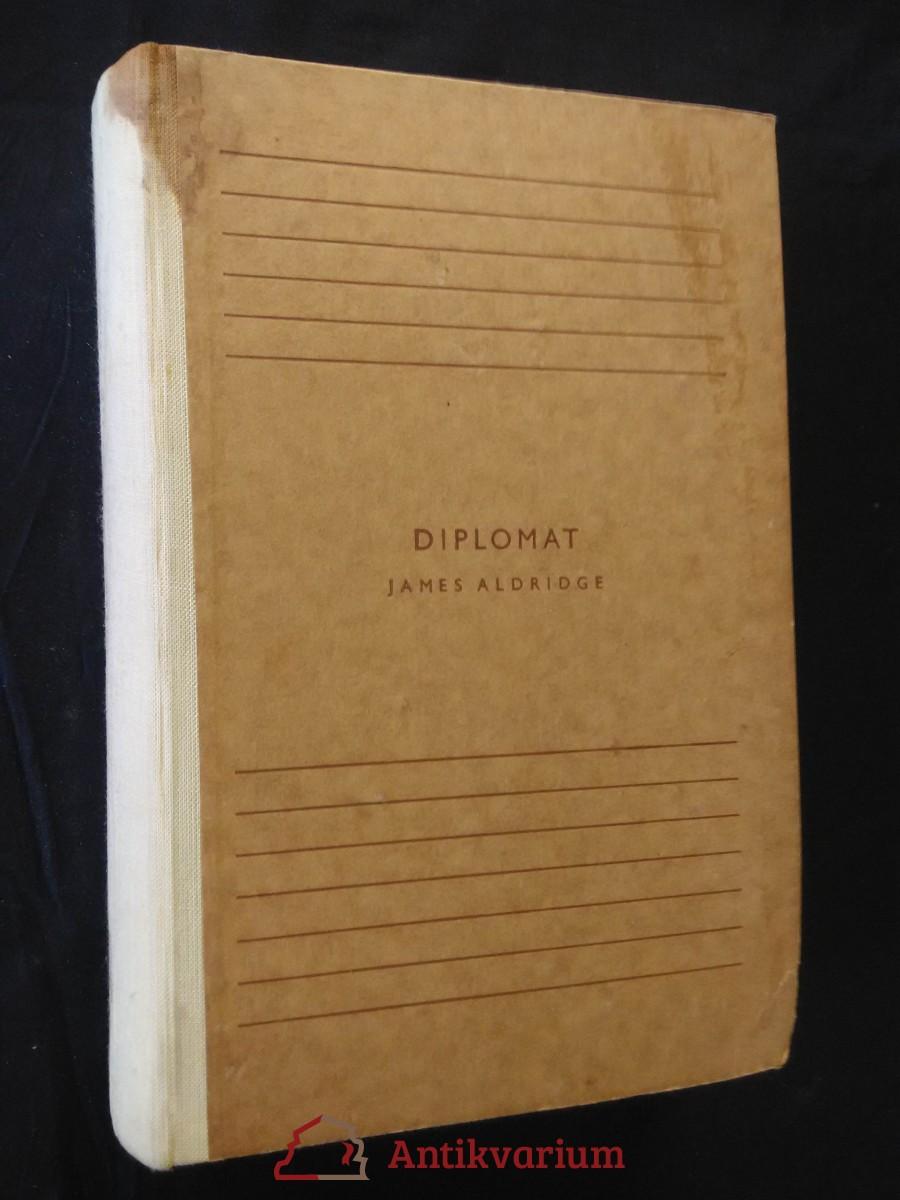 Diplomat (Oppl, 692 s., bez ob.)