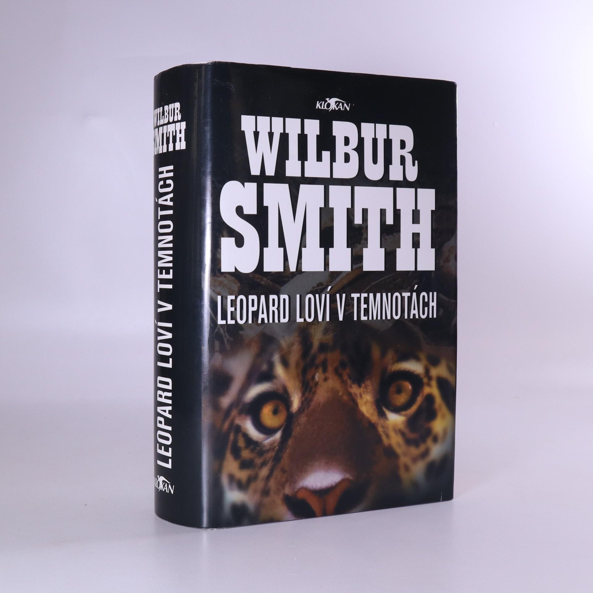 antikvární kniha Leopard loví v temnotách, 2002