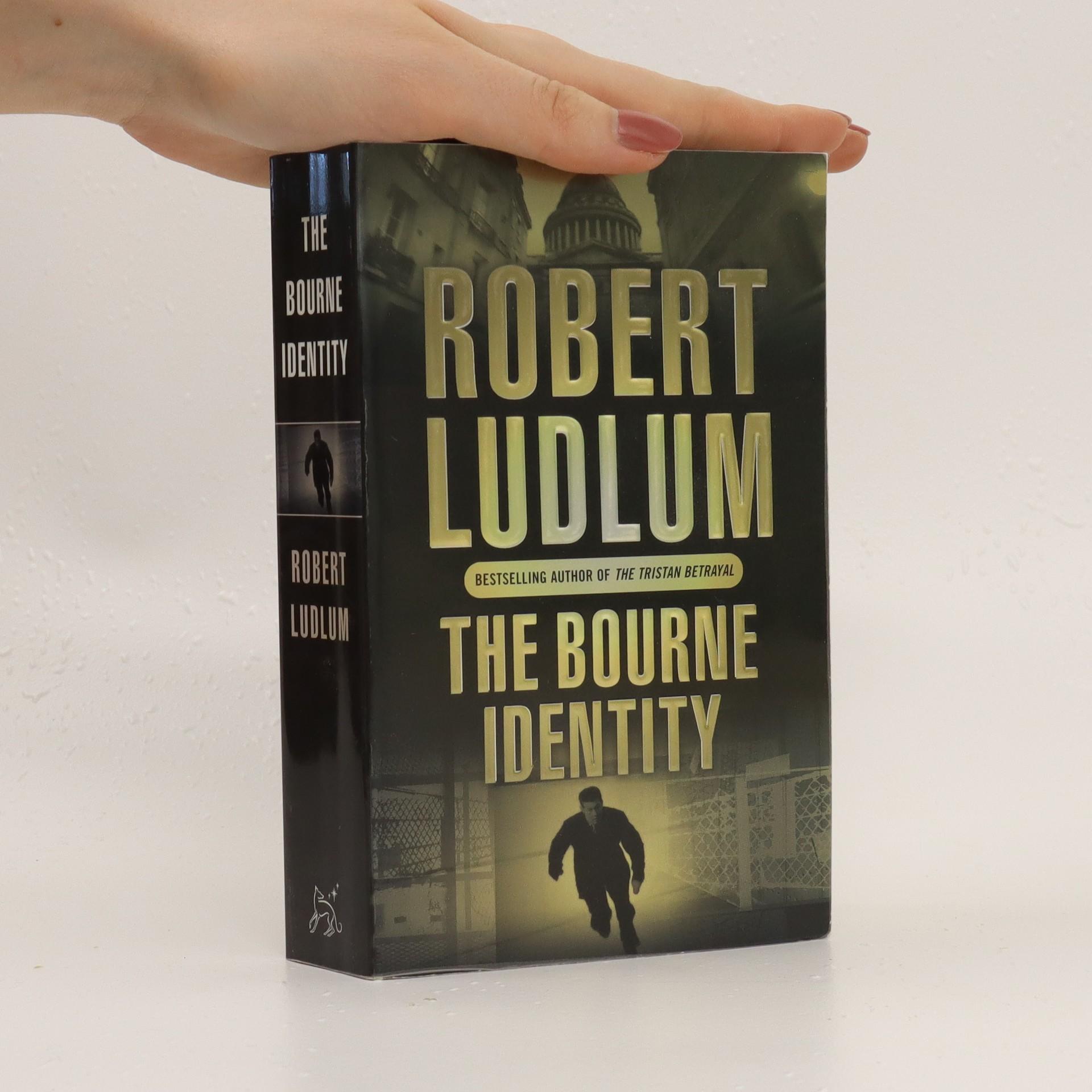 antikvární kniha The Bourne identity, 2004