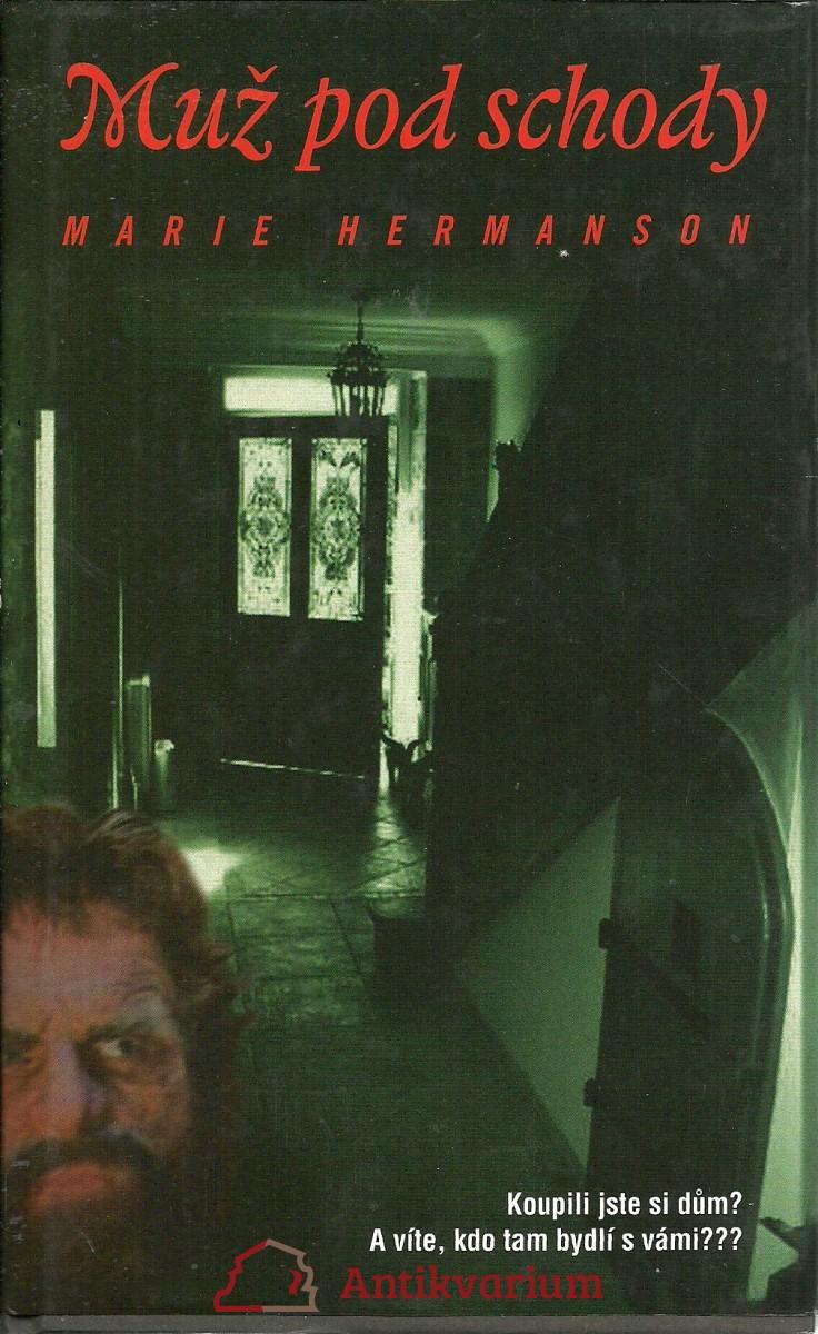 Muž pod schody
