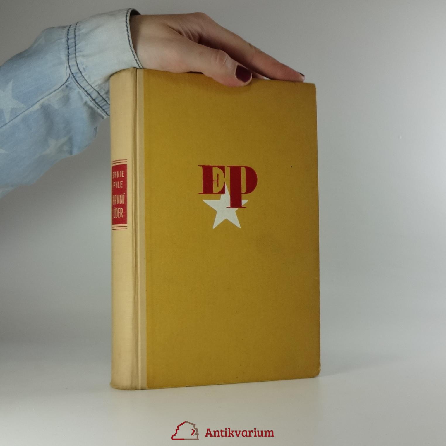 antikvární kniha První úder, 1947