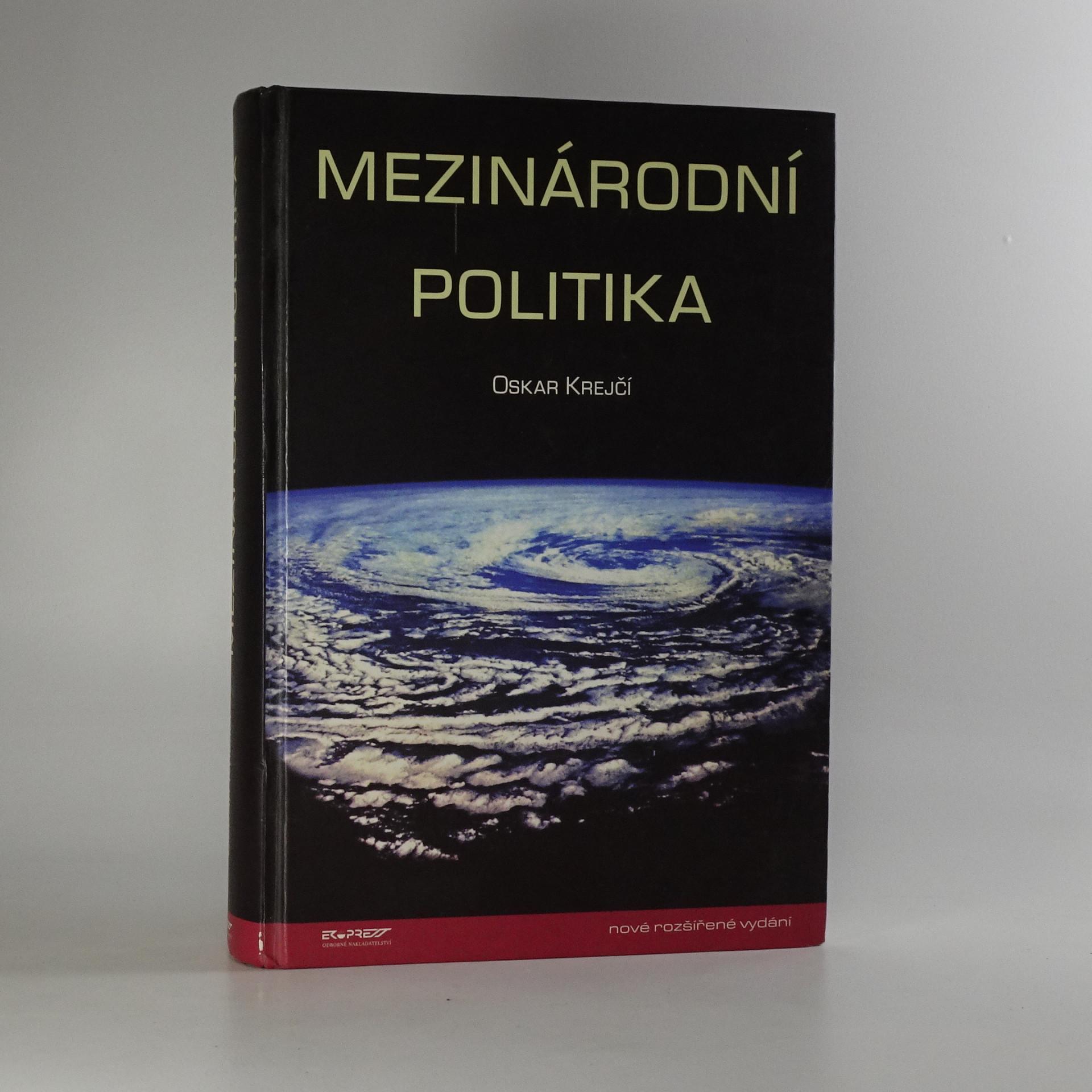 antikvární kniha Mezinárodní politika, 2001