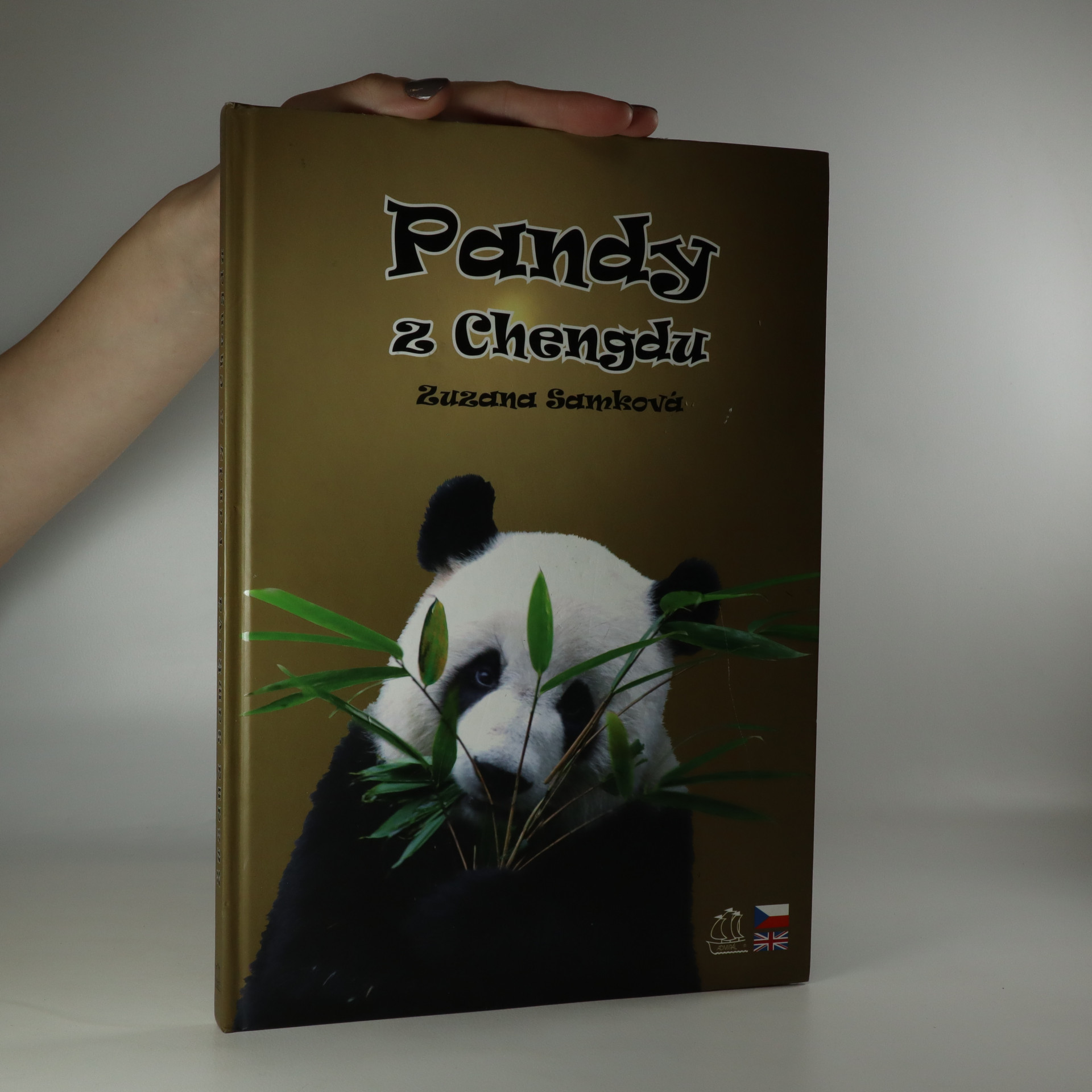 antikvární kniha Pandy z Chengdu (věnování autora), 2007