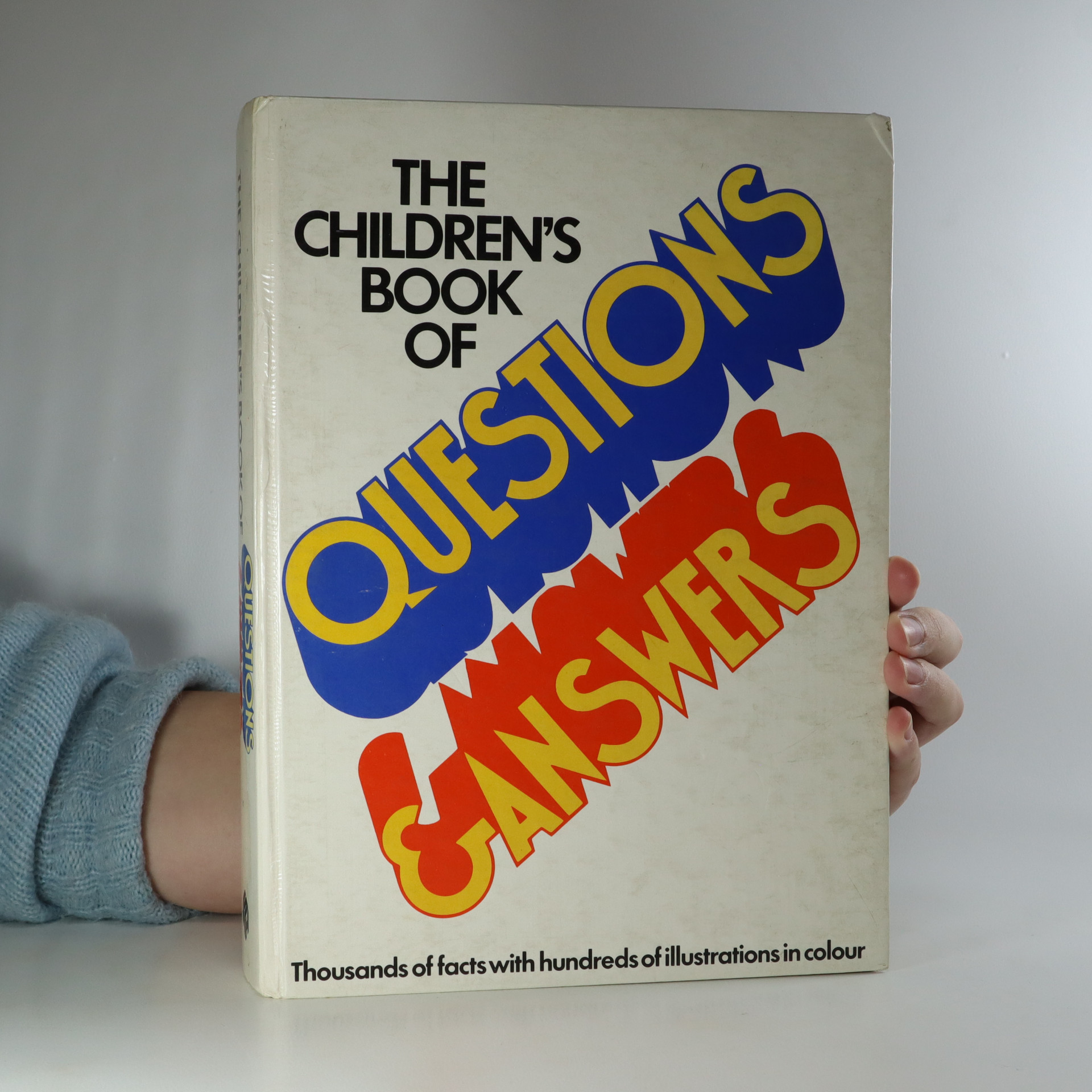 antikvární kniha The Children's Book of Questions and Answers, 1977