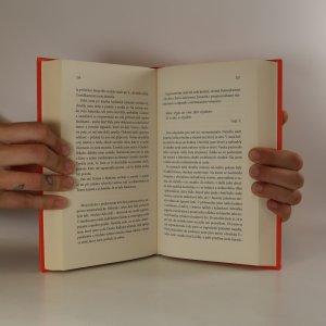 antikvární kniha Alice v říši divů (a taky před zrcadlem), 2014
