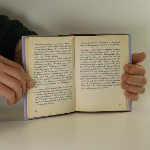 antikvární kniha Čím jdu rychleji, tím jsem menší, 2014