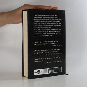 antikvární kniha Zrádci. Špionážní román, 2014