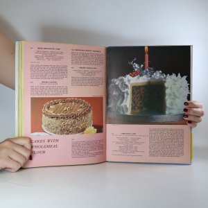 antikvární kniha Cookery in Colour. A Picture Ecyklopedia for Every Occasion, 1976