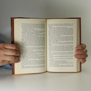 antikvární kniha Slečna Pettigrewová začíná žít, 2009