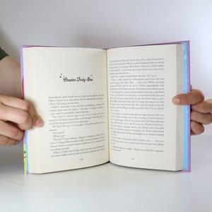 antikvární kniha 2x Girl Online. (2 svazky, viz foto, anglicky), 2014