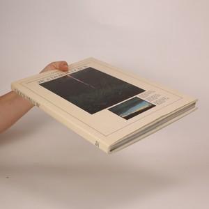 antikvární kniha Jakou barvu má domov, 1988