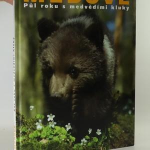 náhled knihy - Méďové. Půl roku s medvědími kluky