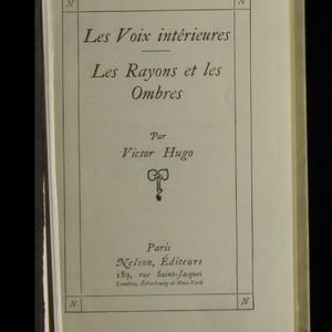 antikvární kniha Les Voix intérieures. Les Rayons et les Ombres, neuveden