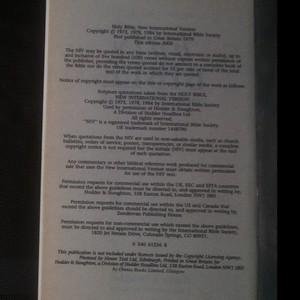 antikvární kniha The Holy Bible. New International version., 2000