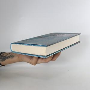 antikvární kniha Závislá na tobě, 2016