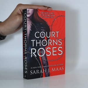 náhled knihy - A Court of Thorns and Roses (1. díl)