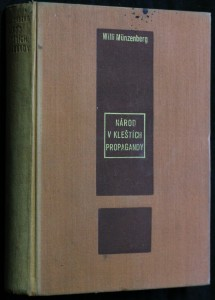 náhled knihy - Národ v kleštích propagandy