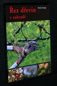 náhled knihy - Řez dřevin v zahradě