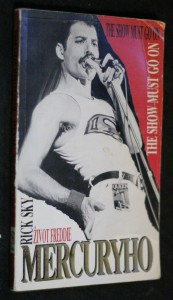 Život Freddie Mercuryho : the show must go on