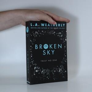 náhled knihy - Broken Sky