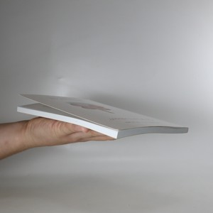 antikvární kniha Co je za hudbou? Fejetony o hudbě, době, hluku, mantrách a zvuku, 2009