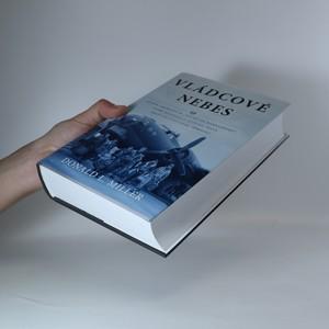 antikvární kniha Vládcové nebes, 2013