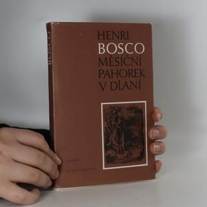 náhled knihy - Měsíční pahorek v dlani