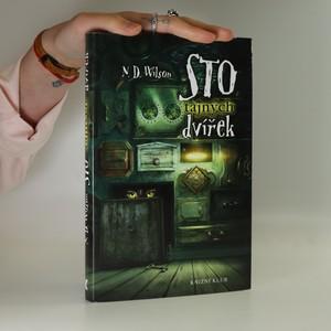 náhled knihy - Sto tajných dvířek