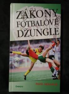 náhled knihy - Zákony fotbalové džungle (lam, 100 s., foto K. Novák)