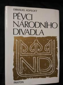 náhled knihy - Pěvci Národního divadla (Ocpl, 420 s., 362 foto)