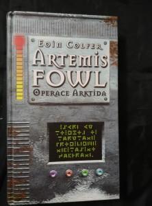 náhled knihy - Artemis Fowl - Operace Arktida (Pev., 240 s.)