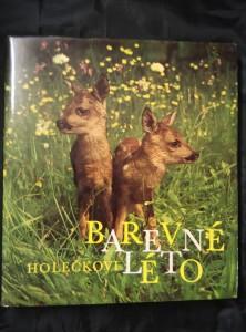 náhled knihy - Barevné léto -zvířata ve volné přírodě (A4, Ocpl, 168 s., 115 bar a 31 čb foto)