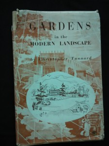 náhled knihy - Gardens in the modern landscape (Ocpl, 188 s.)