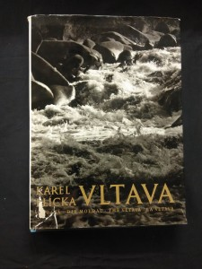 náhled knihy - Vltava (A4, Ocpl, 264 s., text F. Kožík 35 s.)