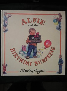 náhled knihy - Alfie and the Birthday Surprise (A4, lam, nestr., il aut.)
