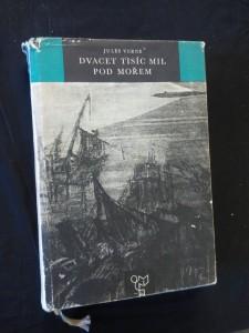 náhled knihy - Dvacet tisíc mil pod mořem (A4,416 s., ob a il. De Neuville a Rioux)
