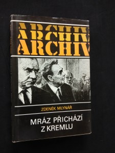 náhled knihy - Mráz přichází z Kremlu (Ocpl, 288 s.)