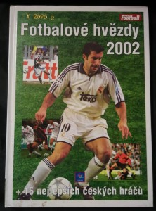 náhled knihy - Fotbalové hvězdy 2002 + 16 nejlepších českých hráčů (A4, 142 s., foto)