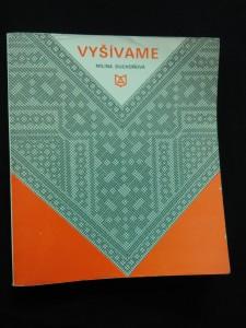 náhled knihy - Vyšívame (Slovenská lid. výšivka)